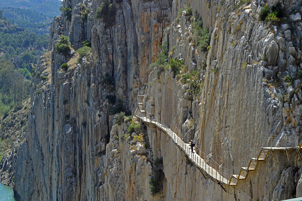 The 5 most dangerous hiking trails in the world